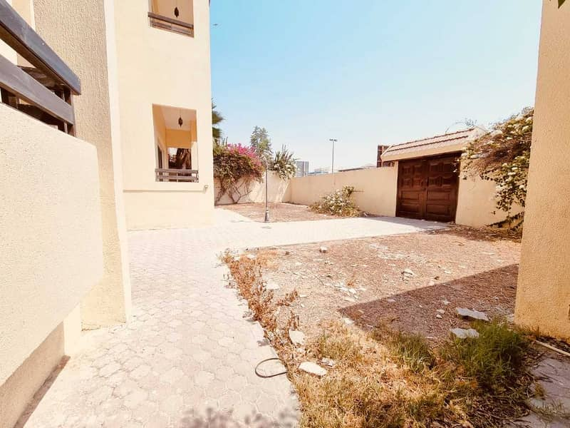 Fully renovated 4BR Independent duplex villa with big garden Andy 3 living halls