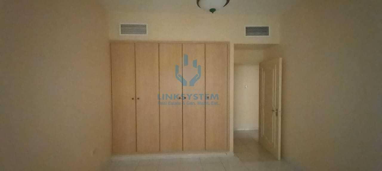 2 Beautiful  Flat 2Bedrooms Hall in abu shashgra Sharjhah