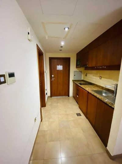Studio for Rent in Bur Dubai, Dubai - Specious Studio Including Dewa 35k 12 chqs In Al Mankhool