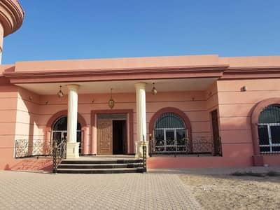 فیلا في المدينة الجامعية بالشارقة 4 غرف 160000 درهم - 2940750