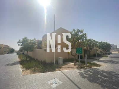 4 Bedroom Villa for Sale in Al Raha Gardens, Abu Dhabi - Corner - Single Row | with Pool & Garden .