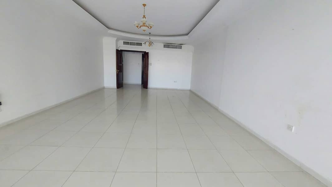 Chiller AC &  parking free gym pool! Spacious  3 bhk all master room Maids room ! Buhaira cornchise al majaz 3 area