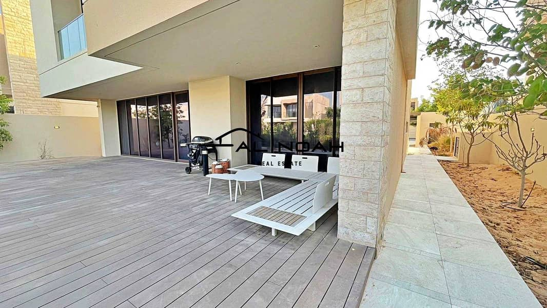 2 Luxurious Structure Finished! Stunning View and Amenities!