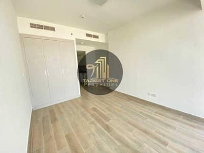 استوديو  للايجار في قرية جميرا الدائرية، دبي - Brand New Studio Apartment With Facility