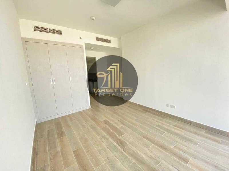 Brand New Studio Apartment With Facility