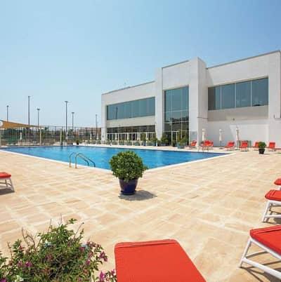 تاون هاوس 3 غرف نوم للايجار في المدينة العالمية، دبي - تاون هاوس في قرية ورسان المدينة العالمية 3 غرف 75000 درهم - 5395317