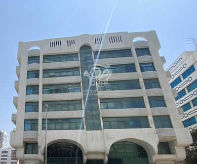 مبنى سكني  للبيع في الخالدية، أبوظبي - Corner Building | M + 5 Floors | Great Income