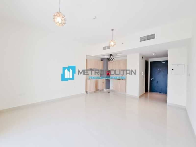 2 Spacious Studio   Modern and Bright   High Floor