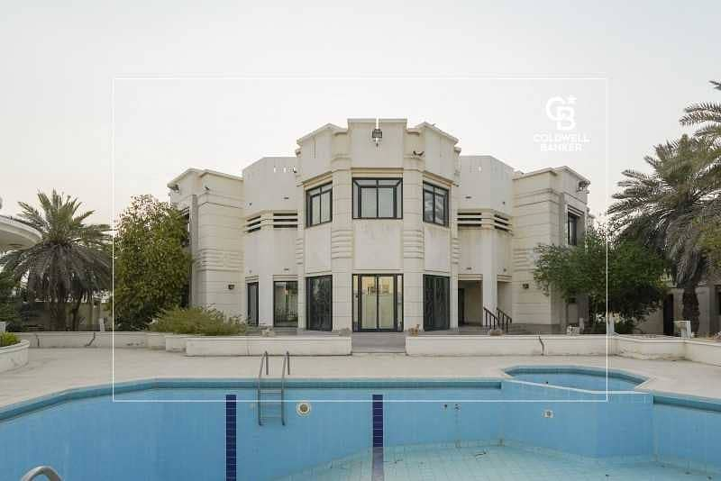Luxury Mirdif Villa   Private Pool plus Cinema