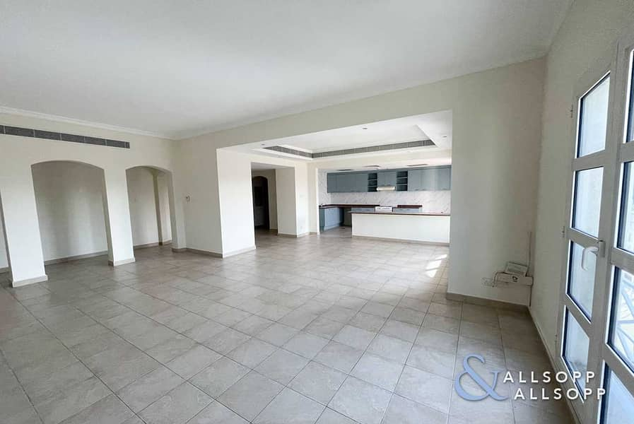 2 Large 2 Bedrooms | Balcony | 1679 Sq. Ft.