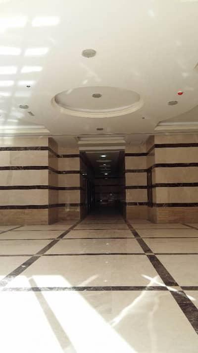 شقة 2 غرفة نوم للبيع في مدينة الإمارات، عجمان - شقة في برج البحيرة مدينة الإمارات 2 غرف 290000 درهم - 2892200