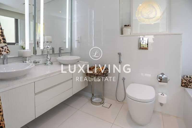 20 Luxury Designed Villas | Great Location
