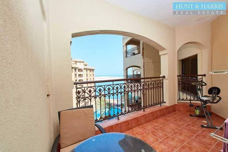 2 Living in Luxury - Al Marjan Island Resort and Spa