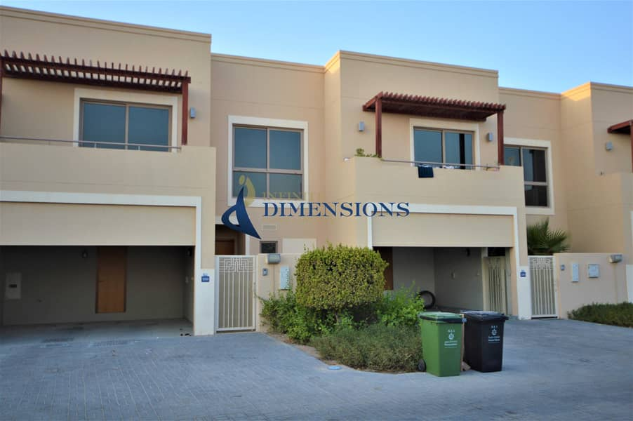 Stunning &  Spacious 3BR Townhouse I Negotiable