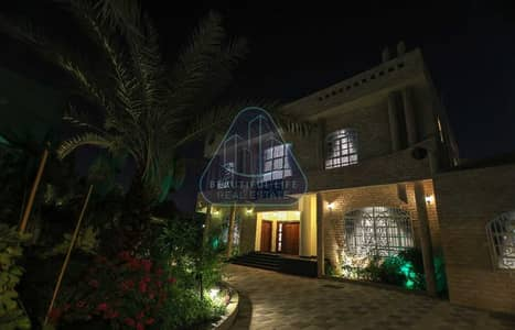 5 Bedroom Villa for Sale in Al Jafiliya, Dubai - Semi Furnished 5BR's Villa + Maid's + Driver's Room and Private Garden