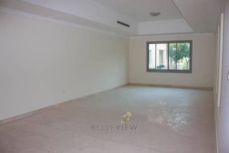 5 Bed + Maid's Villa in Al Barsha 1 for only AED 220k plus 1 month FREE!