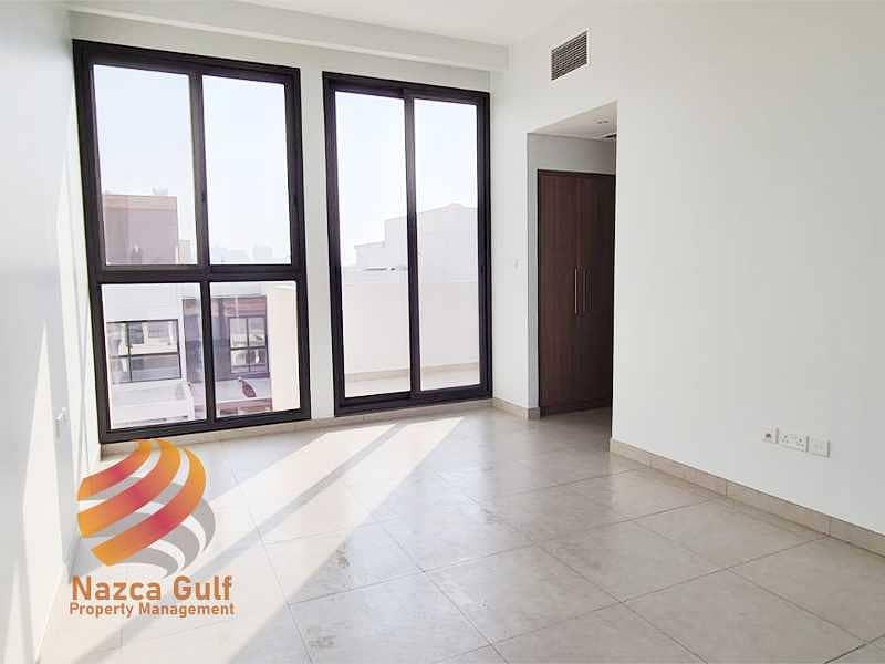2 Modern Design 5 Bedroom Luxury Villa