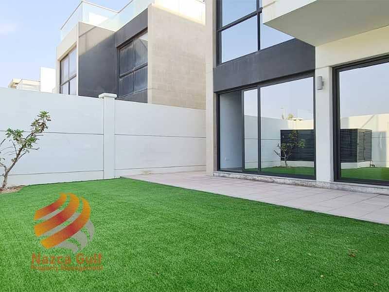 26 Modern Design 5 Bedroom Luxury Villa