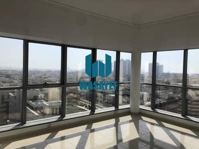شقة 4 غرف نوم للايجار في بر دبي، دبي - شقة في بناية الحمرية الحمریة بر دبي 4 غرف 145000 درهم - 5397238