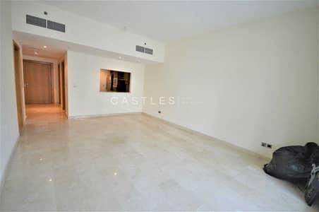 1 Bedroom Flat for Sale in Dubai Marina, Dubai - Large One Bed   Close to Metro   Semi Furnished