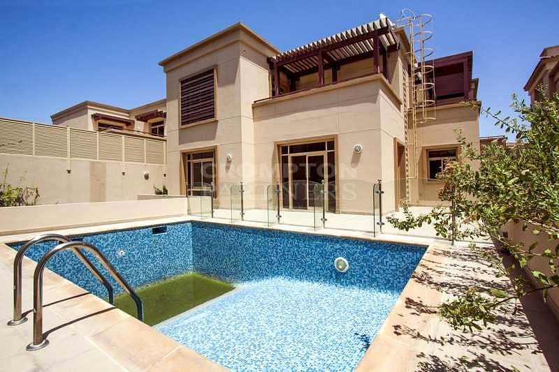 2 Huge Private Pool  Family Garden Great Location