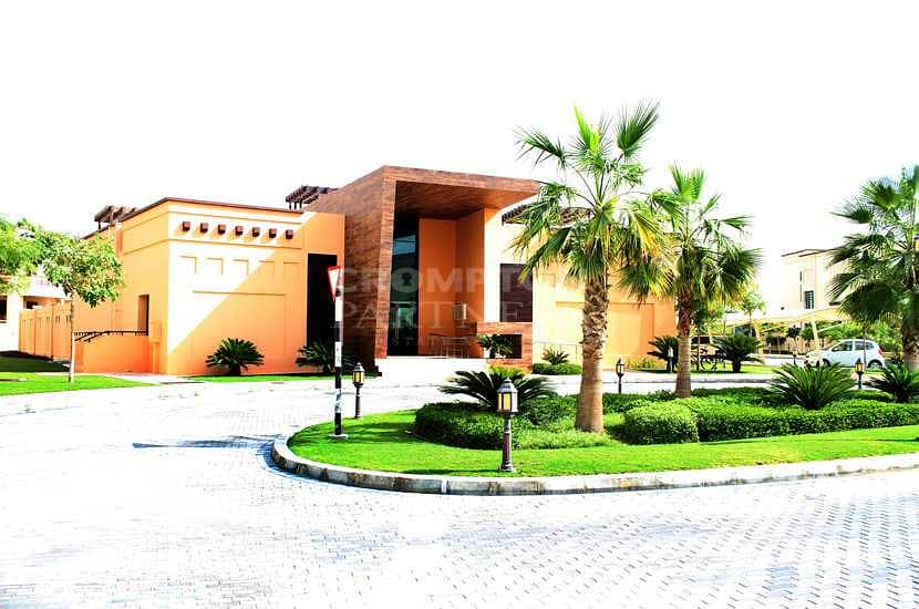 Modern Villa  Garden  Balconies  Great community