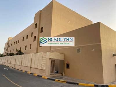 مجمع سكني  للايجار في مصفح، أبوظبي - Full Building Staff Accommodation in Mussafah