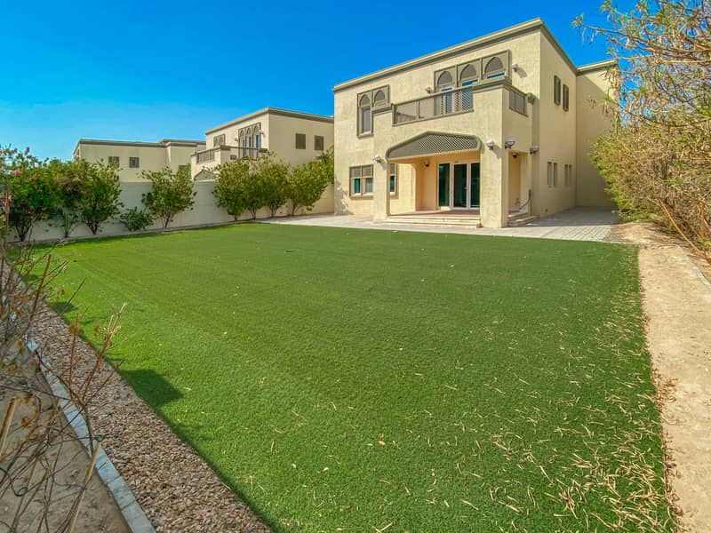 2 Jumeirah Park. Large Regional 3 Bedroom Plus Maid
