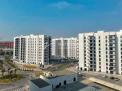 2 Bedroom Flat for Rent in Yas Island, Abu Dhabi - A Brand New and Cozy Apartment with Balcony