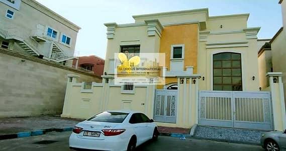 6 Bedroom Villa for Rent in Al Khalidiyah, Abu Dhabi - Brand New! w/ 4 Dining&Living Area w/ Elevator