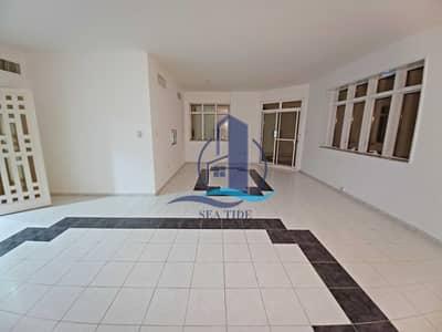 شقة 3 غرف نوم للايجار في شارع الفلاح، أبوظبي - Best Price 3 BR Apartment with Balcony