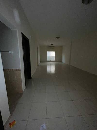 شقة 3 غرف نوم للايجار في الراشدية، عجمان - شقة 3 غرف وصالة وغرفة خادمة اطلالة الخور