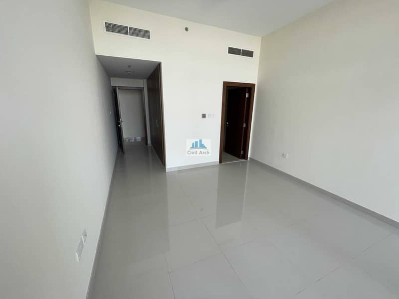 18 NEW BUILDING !!  2/BR WITH LAUNDRY !! FULL BALCONY