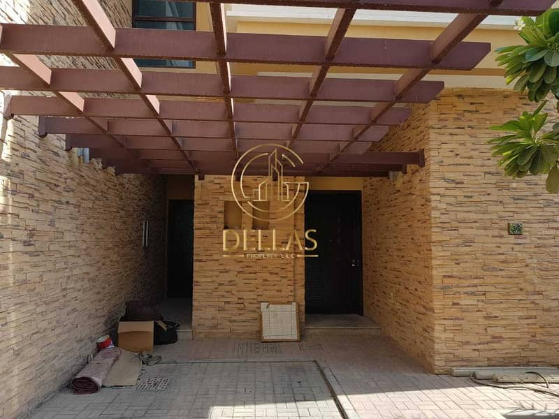 Villa in Abu Dhabi - Al Nahyan Camp