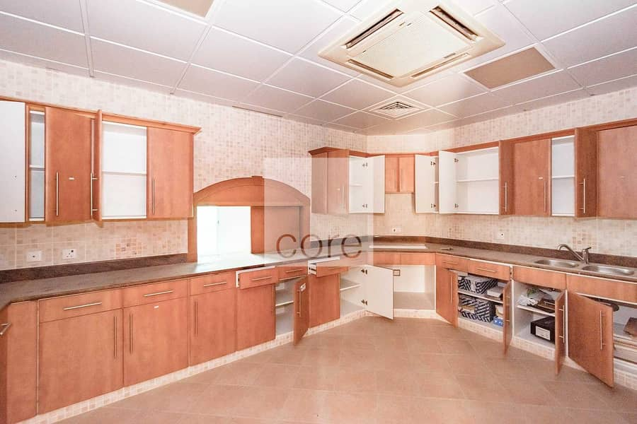 14 High Quality | Office with Kitchen | 12 CHQS