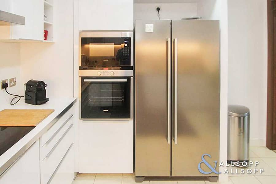 28 Exclusive   3 Bed   Furnished   Upgraded
