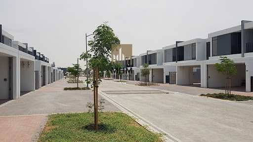 4 Bedroom Townhouse for Sale in Motor City, Dubai - Rented| 4BR + Maid |Greenery View| Investors Deal
