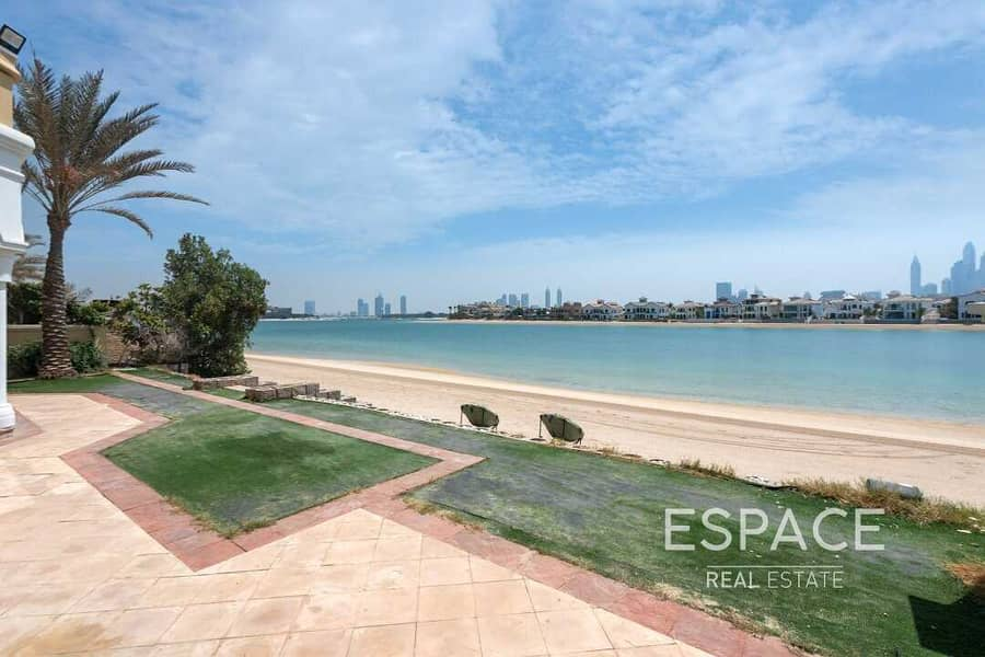 Vacant | Hign Number Villa with Beach Access | Skyline Views