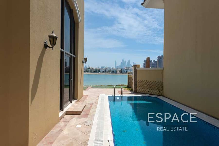 11 Vacant | Hign Number Villa with Beach Access | Skyline Views