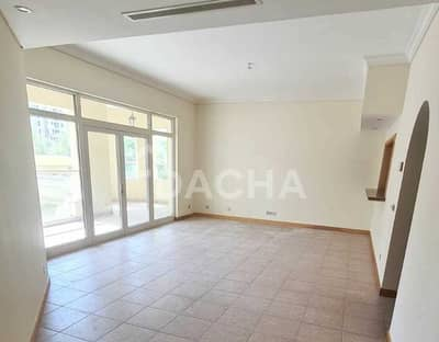 2 Bedroom Apartment for Rent in Palm Jumeirah, Dubai - RIVA Beach Included/ Spacious Balcony / Available now