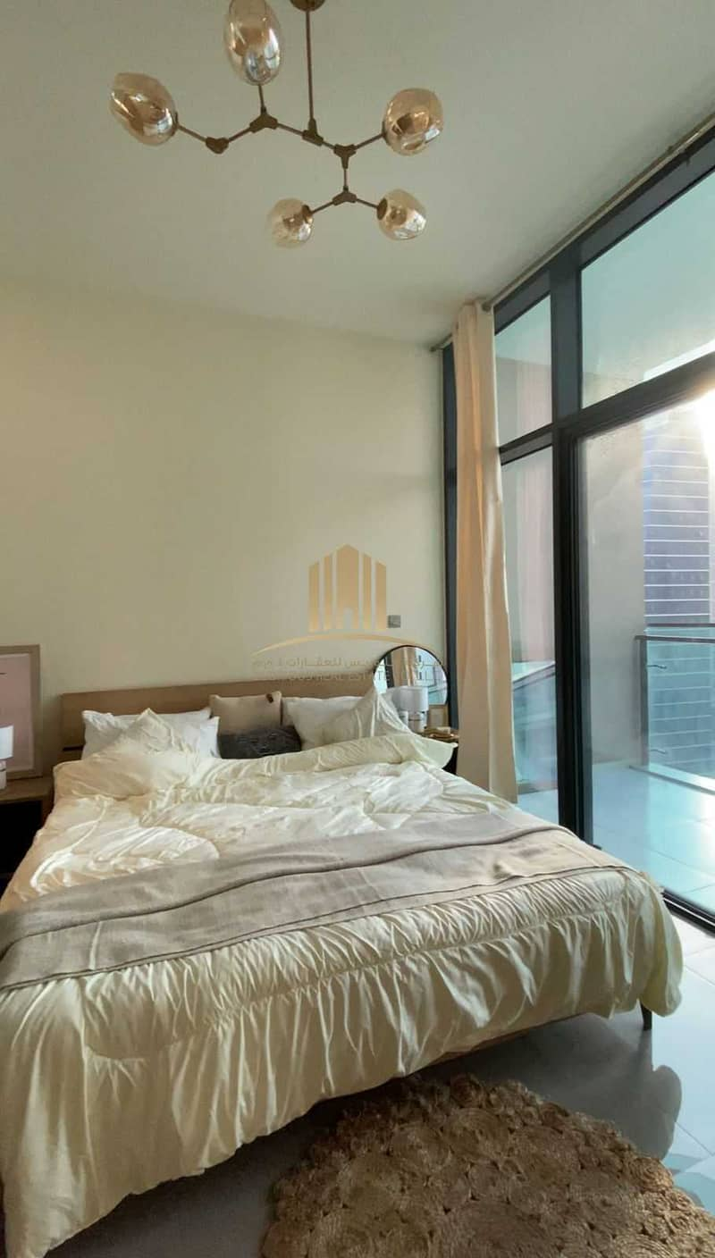 2 Fully Furnished   High Floor   Ready and Huge Unit  