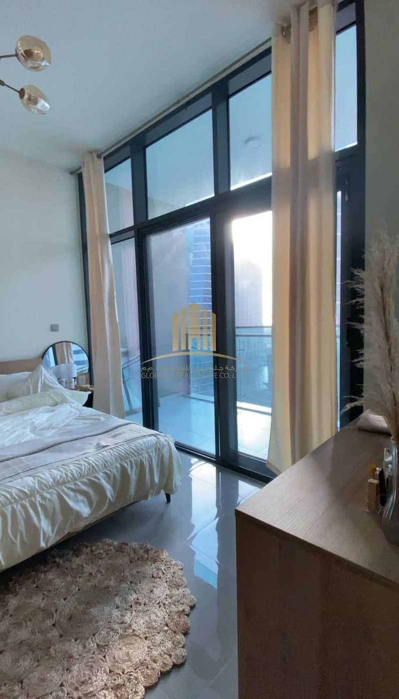 22 Fully Furnished   High Floor   Ready and Huge Unit  