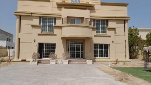 فیلا 5 غرف نوم للايجار في الورقاء، دبي - فیلا في الورقاء 3 الورقاء 5 غرف 150000 درهم - 5399732