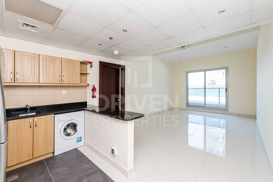 2 Spacious & Bright Apt | Ready to Move In