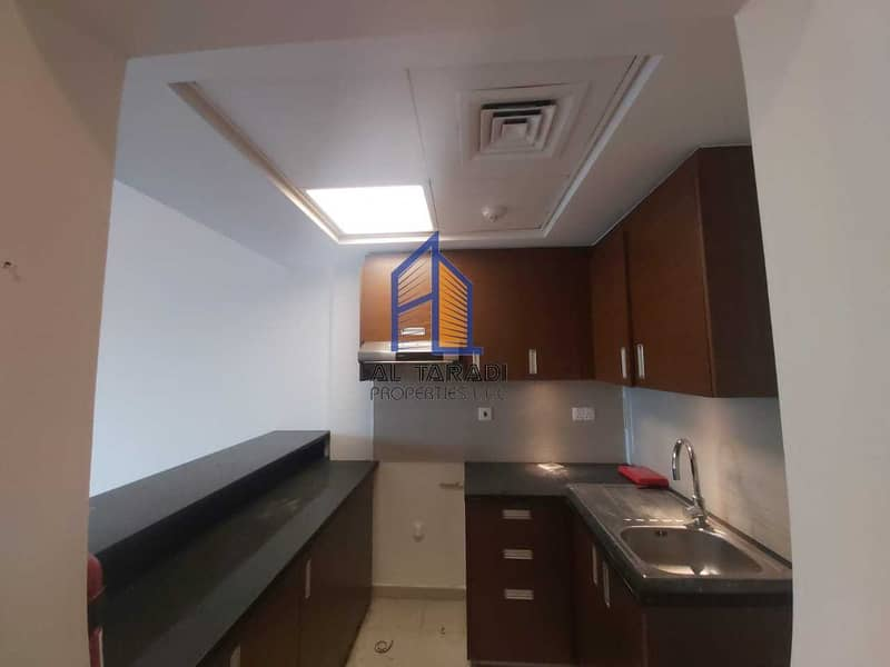 Luxurious 1 BR Apartment w/ Balcony /Best Deal /Ready to Move-in
