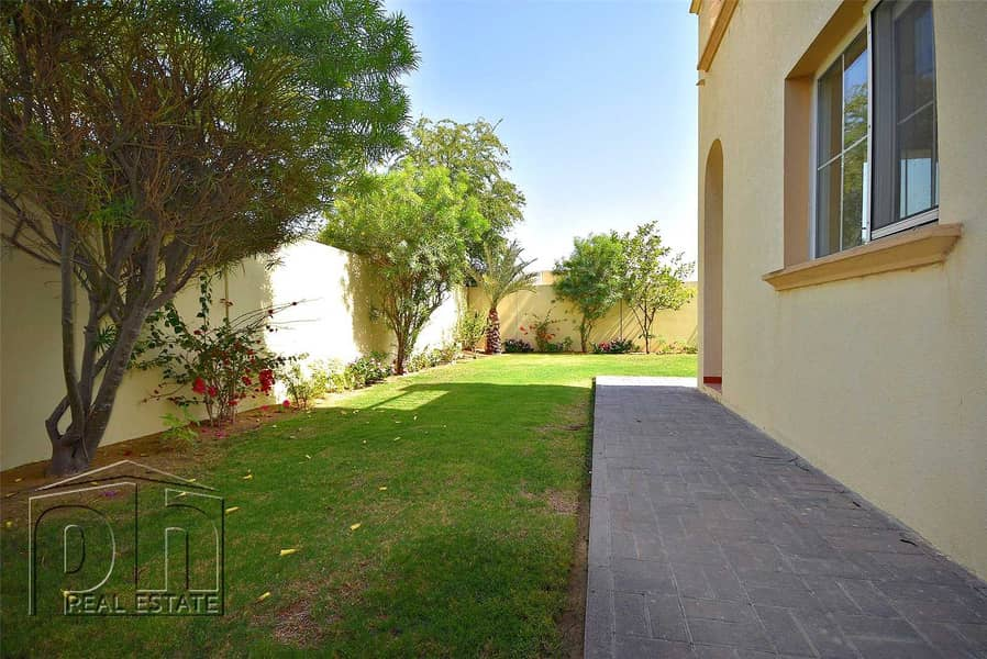 10 Landscaped | Upgraded Kitchen | Available Soon