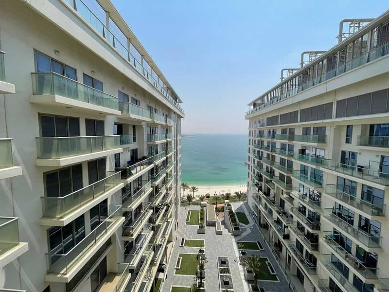Stunning 2 Bedroom Apartment with Sea View
