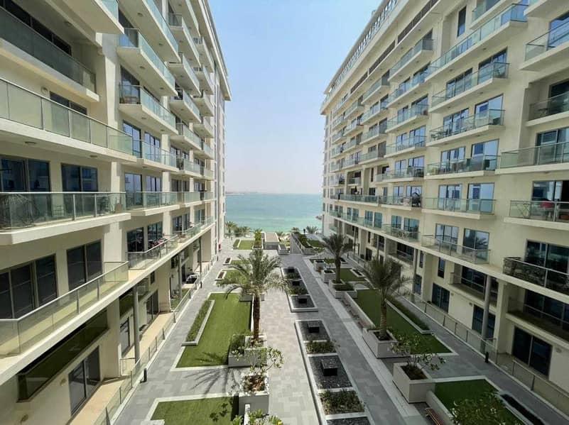 Spacious 2 BR Apartment - Sea View - Excellent Facilities