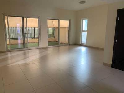 3 Bedroom Villa for Sale in Al Warsan, Dubai - Large Beautiful Corner 3 Bedroom  Single row corner villa  1700000  Ready to move