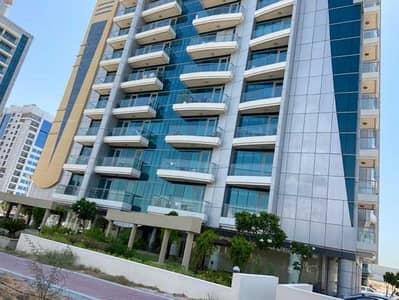 استوديو  للايجار في مدينة دبي الرياضية، دبي - شقة في برج كريكيت مدينة دبي الرياضية 20000 درهم - 4690204